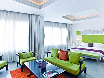 La-Renaissance-Bedroom363